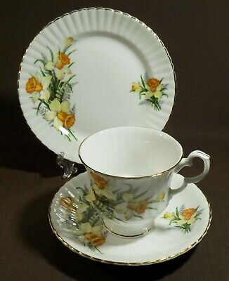 Vintage Royal Windsor Daffodils English bone china tea trio cup saucer plate