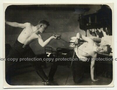 2 Shirtless Men Fencing / Dare - Epee - Gay Int (Vintage Photo B/W ~1930s)