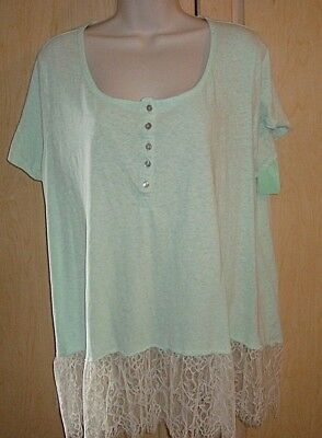 Women's  Plus Size Blouse Top Shirt Size 22/24W  Cato  Short Sleeves