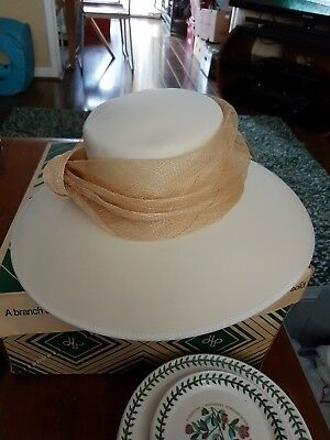 Vintage Cream Ladies Hat By Sacs Made In England