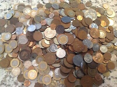 Over 900 Foreign World Coins!! Nice Lot (No Reserve)