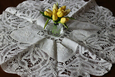 Vintage Battenberg Tape Bobbin Lace Tablecloth centerpiece  Batten Drawn