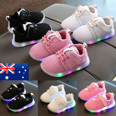 Boys Girls Flash LED Light Up Shoes Kids Luminous Trainers Baby Sport Sneakers