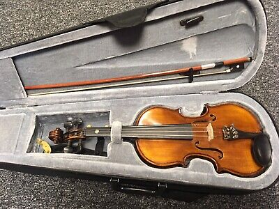 Gear 4 Music 1/4 Size Violin + Carrying Case