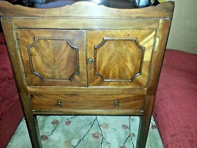 Georgian Flame Mahogany Tray Top Bedside Cabinet