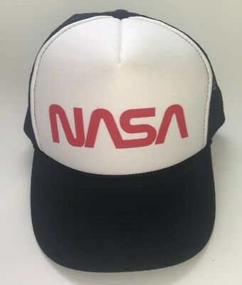 57a58095431 Vtg 80s NASA Snapback Hat Cap mesh trucker cap space black red and white