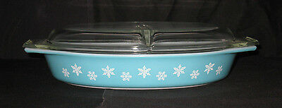 Vintage PYREX  SNOWFLAKE DIVIDED 1.5 QT. OVAL / OBLONG  CASSEROLE DISH W/ LID