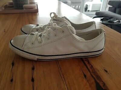 Womens converse shoes size 8