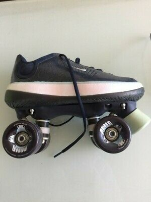 Blue NIKE never used ROLLERSKATES Sized 8 including protective gear