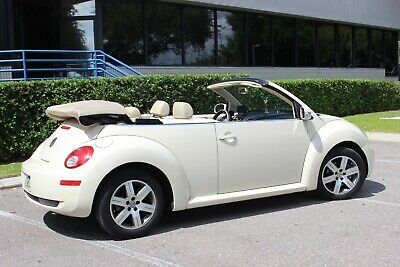 2006 Volkswagen Beetle-New 2dr 2.5L Automatic Beetle CONVERTIBLE 2.5L Automatic Great Condition