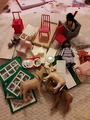 Vintage  Plastic  Wooding Farm Animal And Others For The Doll House