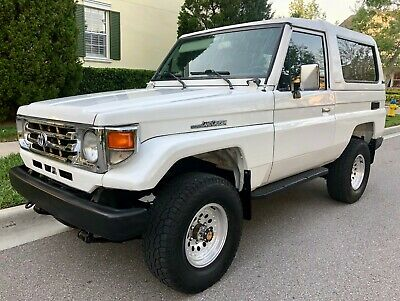 1992 Toyota Land Cruiser FJ73 Extra Rare for theUS LHD Medium Wheel Base FJ73 in Excellent Condition