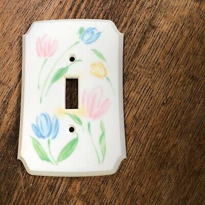 Vintage American Tack and Hardware plastic switch plate cover floral tulip
