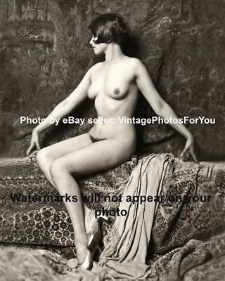 Vintage/Old/Antique/Sexy/Gorgeous/Pretty Nude/Naked/Topless Woman Photo/Picture