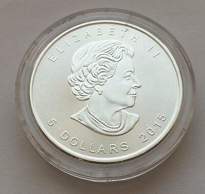 2015 Canada 1 Oz Silver Maple Leaf $5 Coin Free Shipping