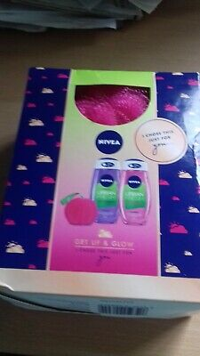 Nivea Get Up & Glow Gift Set shower gift x2  With LUXURY SHOWER PUFF