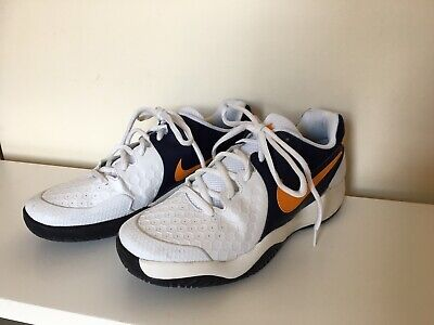 Men's Tennis Shoes size 9, Nike