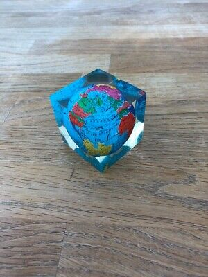 World Map Acrylic Globe Paperweight 4.5x4.5x4.5cm