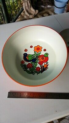 VINTAGE RETRO Japanese Lacquered Salad Bowls with matching salt and pepper shake