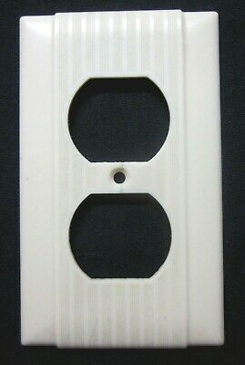 Uniline Outlet Wall Plate Cover 1 Art Deco Ribbed Lines Beige Bakelite Vintage