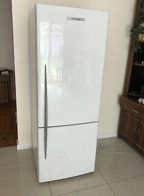 Fisher and Paykel 403L fridge