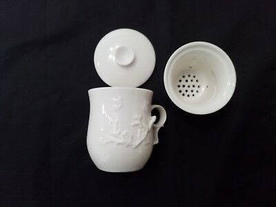 Chinese Porcelain Tea Cup Handled Infuser Strainer with Lid 10 oz White Cup