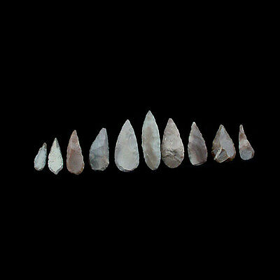 A collection of ten (10) chert stone arrow heads. Vakhsh culture x6706