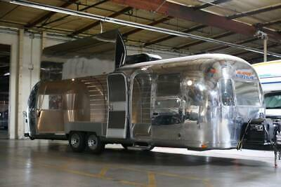 1977 31 Ft Land Yacht Airstream Completely Renovated Mobile Shop Electric Door