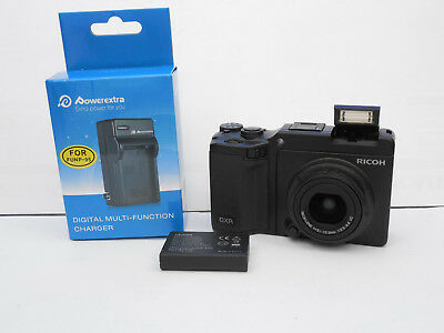 Ricoh GXR Digital Camera 10MP Unit S10 WITH 24-72mm LENS