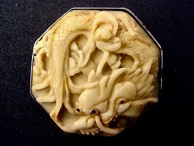 ANTIQUE Victorian CHINESE  hand carved solid SILVER DRAGONS button cameo BROOCH