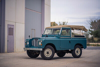 1976 Land Rover 88 Series III Santana 1976 Land Rover 88 (Series III) with fully rebuilt 2.5L engine