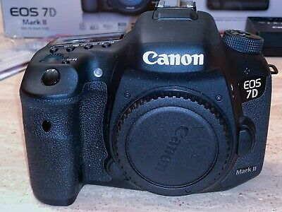 Canon EOS 7D Mark II (9128B002) 20.2MP Digital SLR Camera - Bundle!