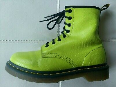 7a228309bd51 Doc Dr. Martens Qq Dot Neon Lime Green Textured Leather Boots Rare Unisex  5Uk