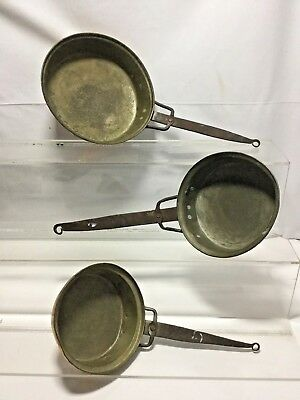 VINTAGE SET 3 HAMMERED COPPER PANS FORGED WROUGHT IRON HANDLES ANTIQUE cl