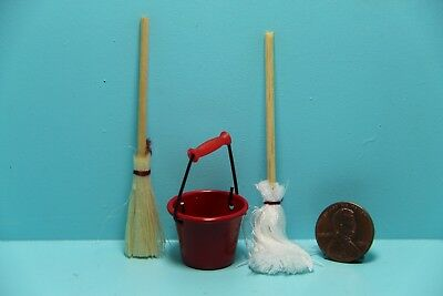 Dollhouse Miniature 1:12 Toy Red Metal Long Handles Broom And Dust Pan Set K4V5