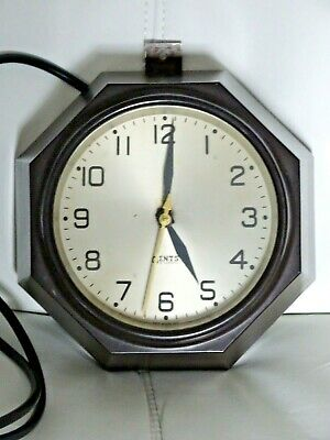 Gents of Leicester Bakelite Electric Wall Clock Art Deco Hall Office WORKING