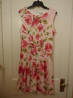 Sandra Darren Sleeveless Lace Overlay Size 12 Pink Floral Fit & Flare