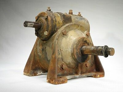 Vintage HUGE!! Speed Reduction Reducer Gearbox 60:1 -32 Pounds!