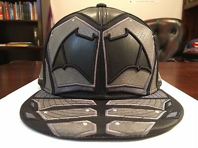 302dc372d9d BATMAN  CHARACTER JUSTICE LEAGUE  Fitted Hats by New Era -  99.99 ...