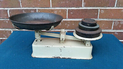 Vintage Fairway scales with weights