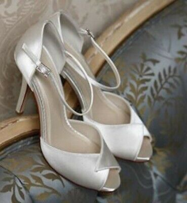 96a0133bec8 RAINBOW CLUB LORNA Ivory Satin Gold Embroidered High Heel Bridal ...