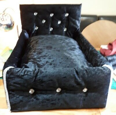 Upholstered Luxury Dog/cat Bed