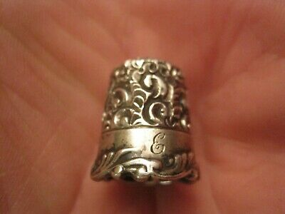 Ketcham McDougall Sterling Silver Louis XV Repousse Embroidery Thimble Size 6 e