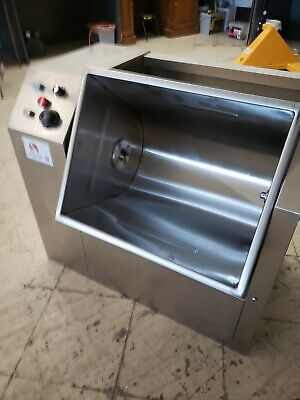 Bang Chu 90 Pound  capacity Tank Commerical Electrical Meat / flour Mixer