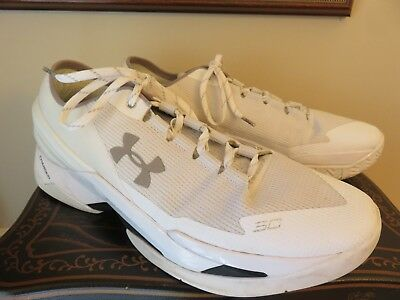 2798e12ee4f7 UNDER ARMOUR CURRY 2 Low Size 13 1264001-103 Ivory White VGUC ...