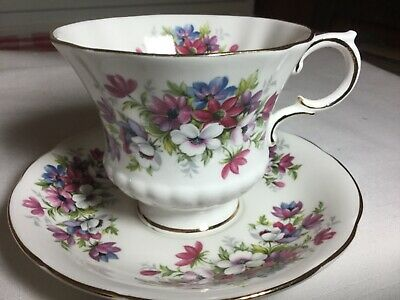 Paragon Bone China Cup/ Saucer.  England       Flower Festival Pattern
