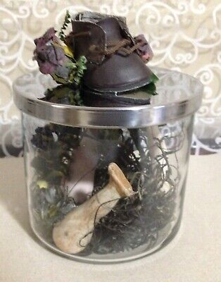 Gothic Halloween Decoration Spooky Horror Scary Creepy Wicked Doll Legs in Jar