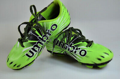 933feae71 UMBRO SOCCER CLEATS 12K Green Black Shoes Boys Wired Youth Field ...