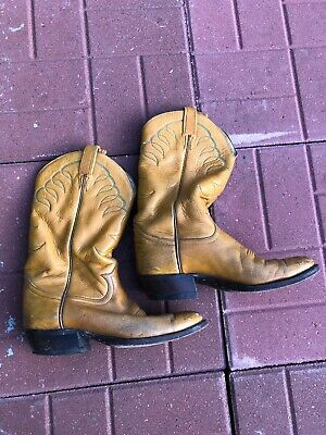 08976f3a459 MEN'S TAN LEATHER TONY LAMA cowboy / western boots - size 8 Free Shipping  Rare