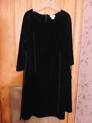 Two hearts maternity womens size L Black Velour long sleeved Dress